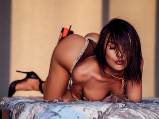 Voir le liveshow de  Chayenne99 de Livejasmin - 28 ans - Very versatile lady,ENTERTAINING in free chat but HIGHLY SEXUAL in private. If you prefer to  ...
