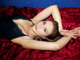AmandaRustic -ABOUT ME I study to
