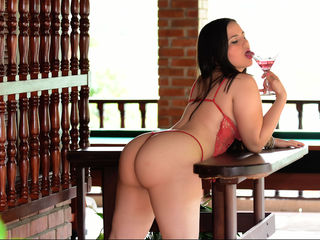 MiaDeLaTorre Marvellous Big Tits LIVE!-latina super happy