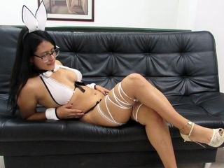 sweetindie -tan and curvy i love
