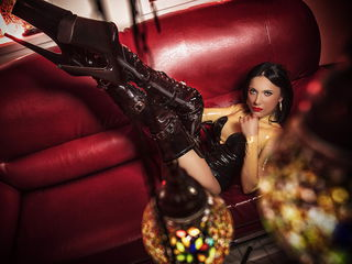 Voir le liveshow de  WandaDomme de Livejasmin - 37 ans - I  expect my slaves to entertain me, please me and submit to me fully. Serving me is your pri ...