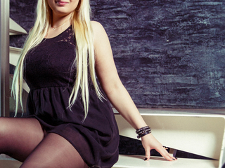 MiaFrost Marvellous Big Tits LIVE!-I m glad to see good