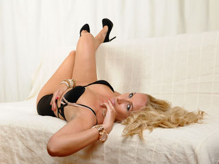 1SexyTigress -Welcome in Adrianne