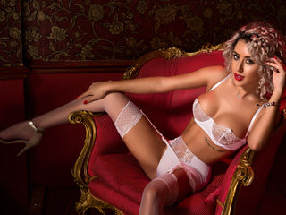 Acurlyblonde -Hi I m Natalie from
