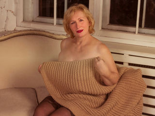 BlondMilfDP -hello i am mature