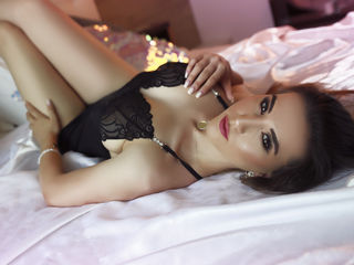 SensuousAmirah Live porn-I am a loving person