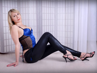 Voir le liveshow de  Antuansexlove333 de Livejasmin - 36 ans - I have a perfect face, flawless body, funny personality - What else You need? :o I can  ...
