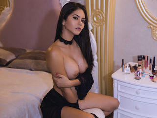 AshleyAngell -i am young funny and