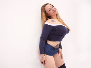 AnnaPeterson Big Tits!-I am a very friendly