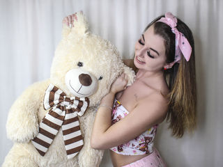 LovelyFiona4U -I m different I can