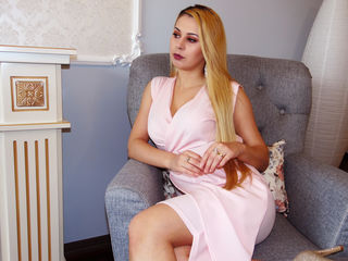 Voir le liveshow de  Velly18 de Livejasmin - 21 ans - Hello. My name is Velly,I'm a sociable girl,attractive,smart and I love life.I adore the men who ...