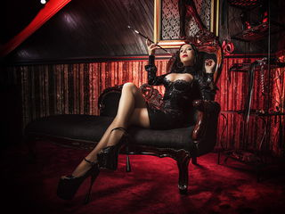 Voir le liveshow de  KinkyWanda de Livejasmin - 37 ans - I am a  real  DOMINATRIX. I will verbally abuse and humiliate you, crush your balls and your  ...