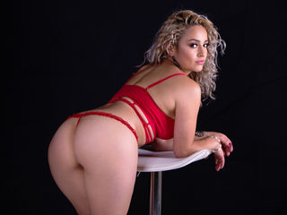 LauraSoto -I am Laura a girl a