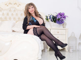 Queenxxx -hello guys im alice