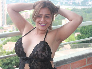 escarlysmith Big Tits!-hello I am a very