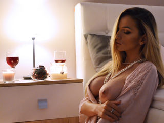 AlyahJoy -Beautiful hot lady
