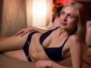 NickyBlondd - nA little playful