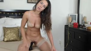 madisonnicoleusa-american-cam-girl-talking-naughty-while-riding-her-dildo