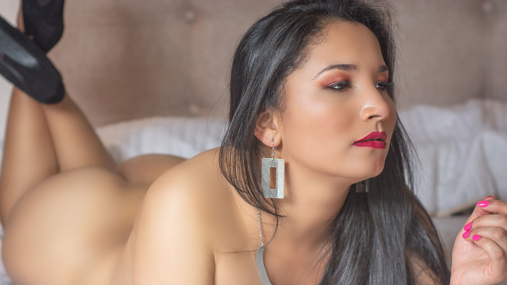 Watch the sexy GraceGibbs from LiveJasmin at GirlsOfJasmin