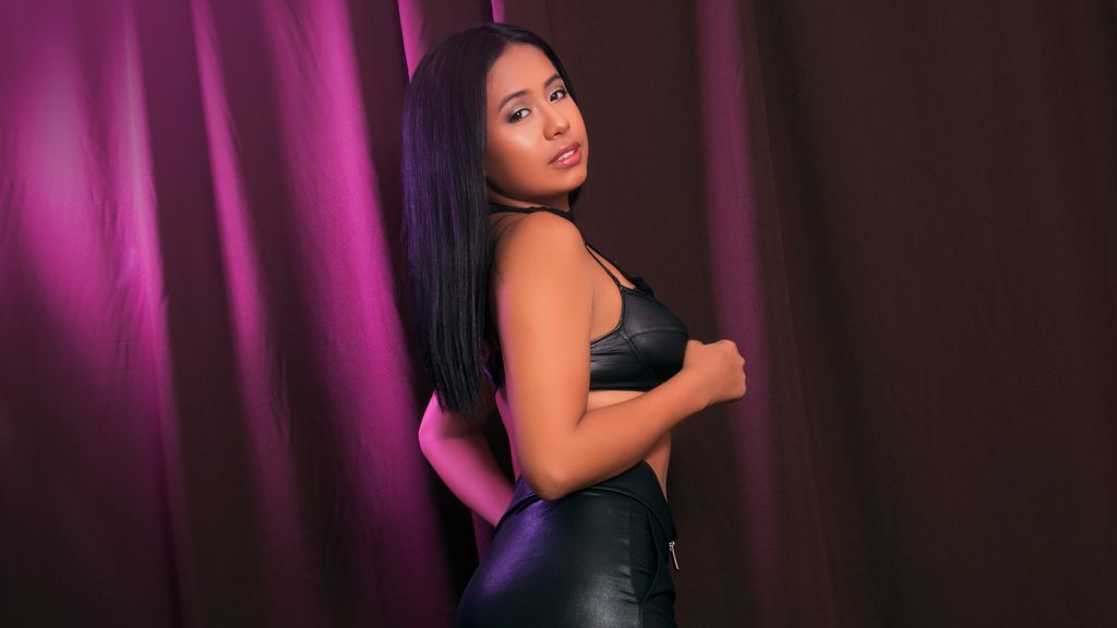 Watch the sexy EvelynVillalobos from LiveJasmin at GirlsOfJasmin