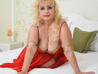Webcam model MarthaExtasy from Web Night Cam