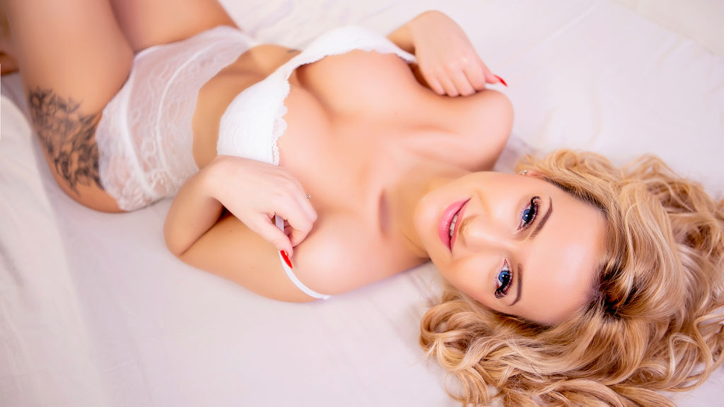 Watch the sexy JenniferJay from LiveJasmin at GirlsOfJasmin