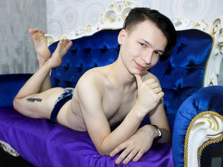 SimonVega Adults Only!-I'm a guy who loves
