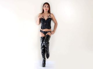 image of tranny cam model xCRIMINALCOCK