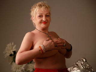 UrFunnyGranny Live Jasmin-Come into my private