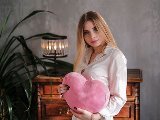 HoneyAlly: Live Cam Show