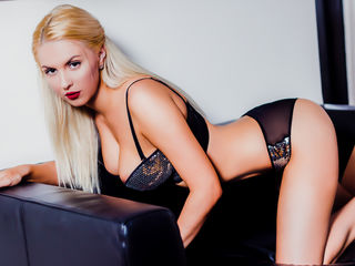 Profile picture of HornyBlonde1