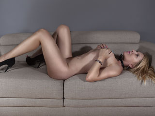 Webcam model ladycools from Web Night Cam