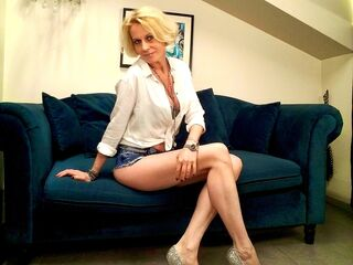 Webcam model DesireedGoldd from Web Night Cam