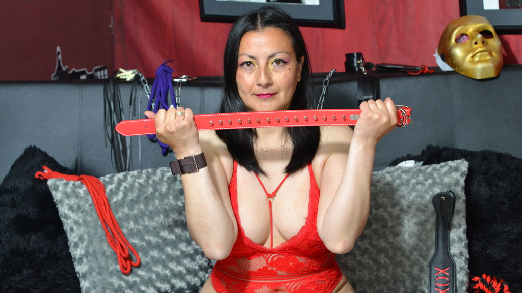 Watch the sexy EdnnaExtrem from LiveJasmin at GirlsOfJasmin