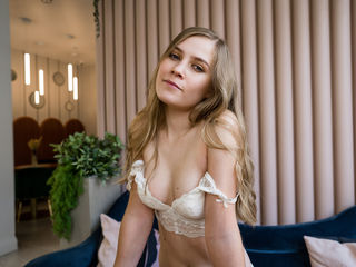 Webcam model 0HedyCuteGirl from Web Night Cam