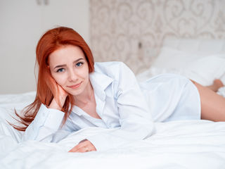 19 petite white female fire red hair blue eyes MircelaGrey chat room