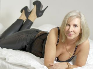 EricaLady LiveJasmin-Step into my room
