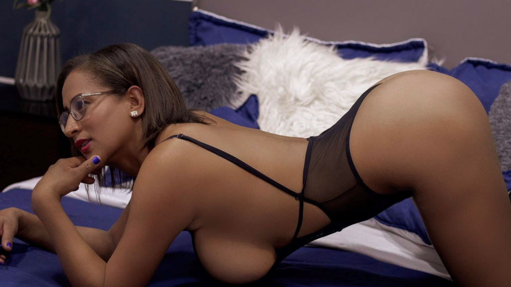 Watch the sexy BrendaaCruz from LiveJasmin at GirlsOfJasmin