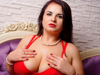 Webcam model ChubbyElla from Web Night Cam