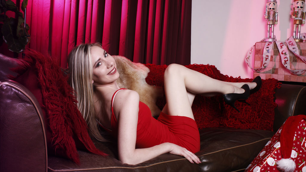 Watch the sexy CatelinSky from LiveJasmin at GirlsOfJasmin