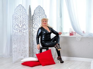 GrannyNeeeds Live sex-Hi guys!! My name is