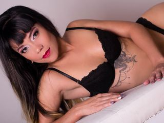 Webcam model KatieeWilliams from Web Night Cam