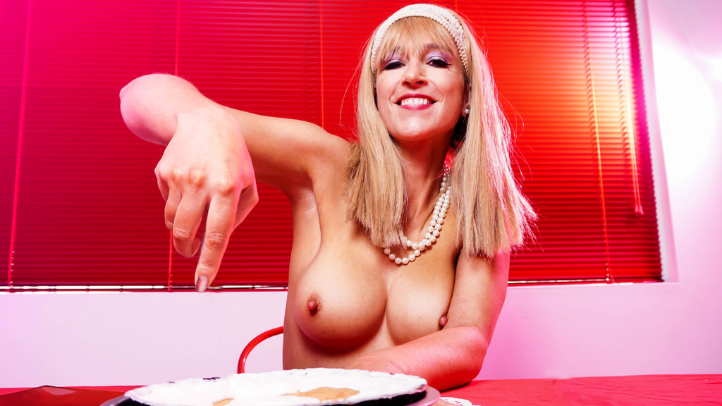 Watch the sexy AlexxxysGrey from LiveJasmin at GirlsOfJasmin
