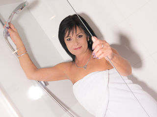 CrystalCams Adults Only!-naughty cougar wiht