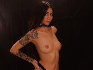 Webcam model morgansweett from Web Night Cam