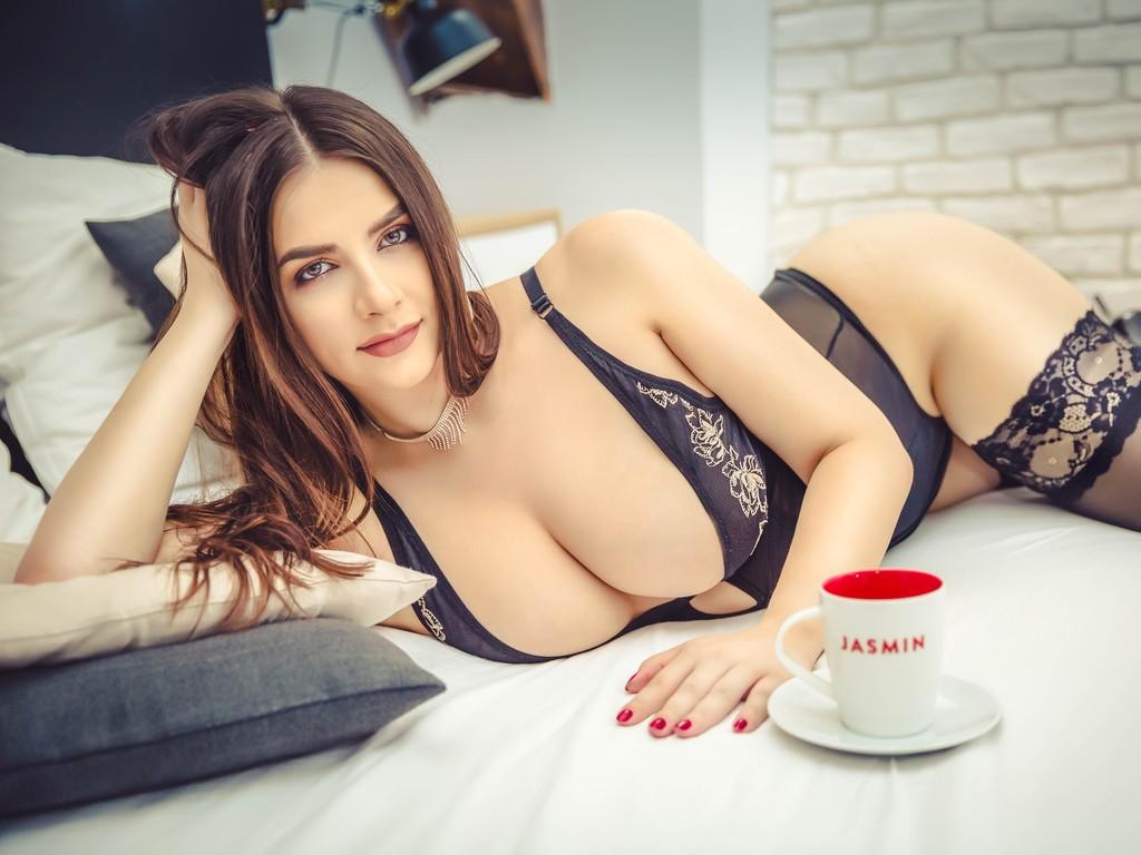 Hot Cam Girl AylinReves