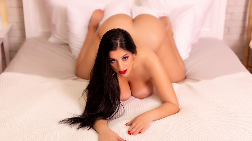 Watch the sexy HellennaSweet from LiveJasmin at GirlsOfJasmin