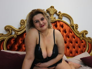 LadyCory online sex-I am a hot and