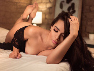 Webcam model KattiaVega from Web Night Cam