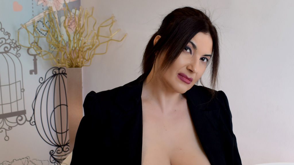 Discover and Live Sex Chat with AstridMiller on Live Jasmin